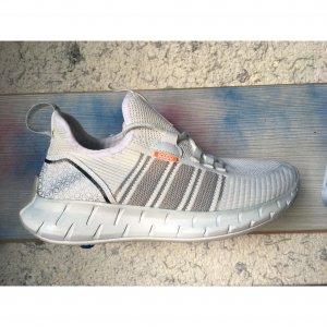 Krossovki adidas - код 26660