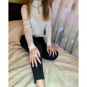 Bazoviy pulover v belom tsvete - код 29460